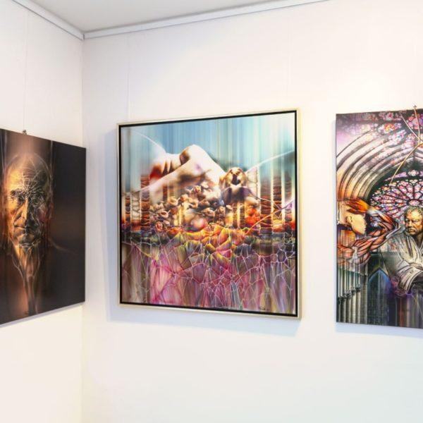 Einblick in der Galerie Raduart mit Gemaelden Radu Maier - | Galerie Raduart