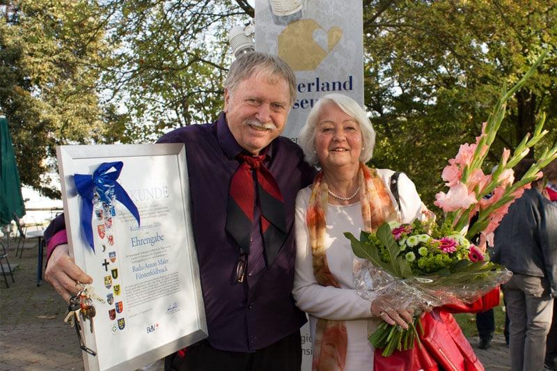 Der Kulturpreisträger Radu Maier mit Barbara Köhnlein, BdV-Kreisvorsitzende Fürstendfeldbruck. Foto: © Radu Maier