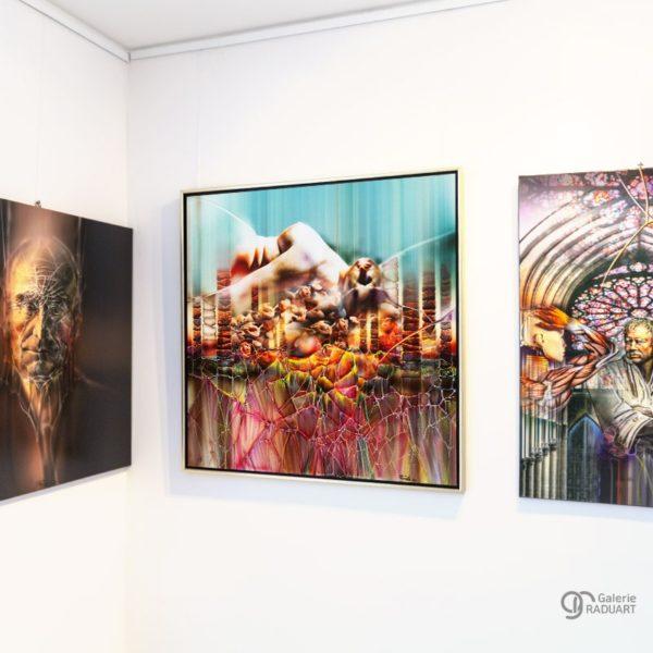 Moderne Aktmalerei Agonie mit Rosen Einblick in der Ausstellung - | Galerie Raduart