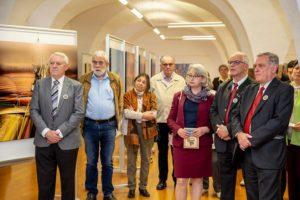 zahlreiche gaeste bei der eroeffnung der ausstellung radutopia - | Galerie Raduart